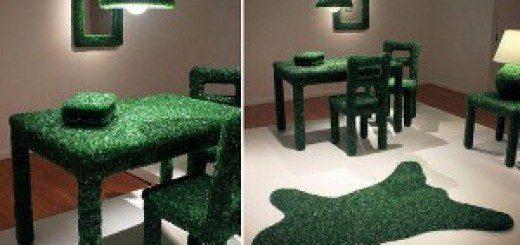 Меблі з осколків скла