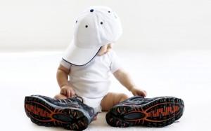 Поради ортопеда Як правильно підібрати перше взуття малюкові