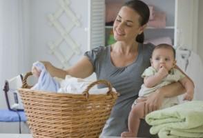 Як правильно прати і прасувати дитячий одяг