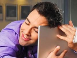 Чоловік фліртує через інтернет. Наскільки це небезпечно