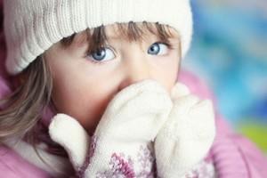 Чи можна гуляти дитині з температурою