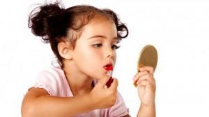 Декоративна косметика для дівчаток