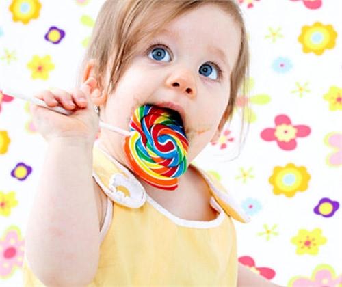 Прибереш іграшки отримаєш цукерку