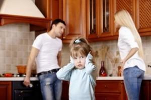 Як пояснити дитині розлучення батьків