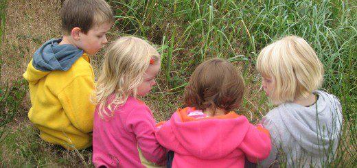 Як навчити малюка знайомитися