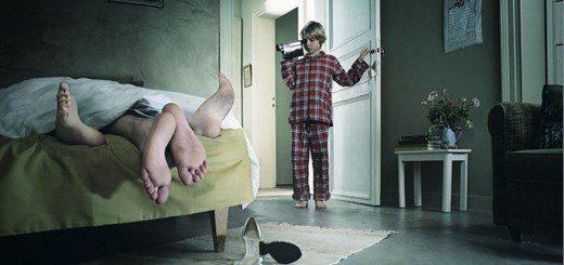 Дитина застала вас в ліжку: що робити?