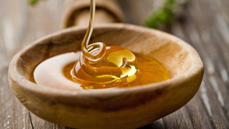 Як використовувати мед для краси шкіри і волосся: б'юті-секрети