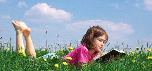 Як змусити дитину читати влітку? Топ-5 порад
