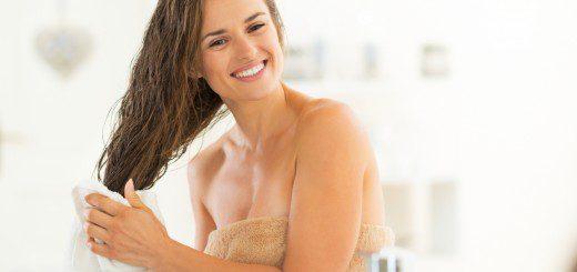 Миття голови без шампуню: плюси і мінуси ко-вошинга