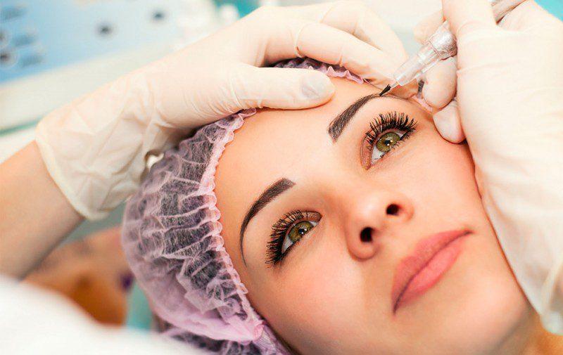 Переваги та недоліки перманентного макіяжу брів