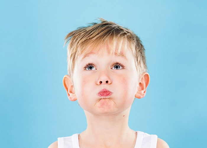 Чому дитина гикає? Прості способи подолати гикавку